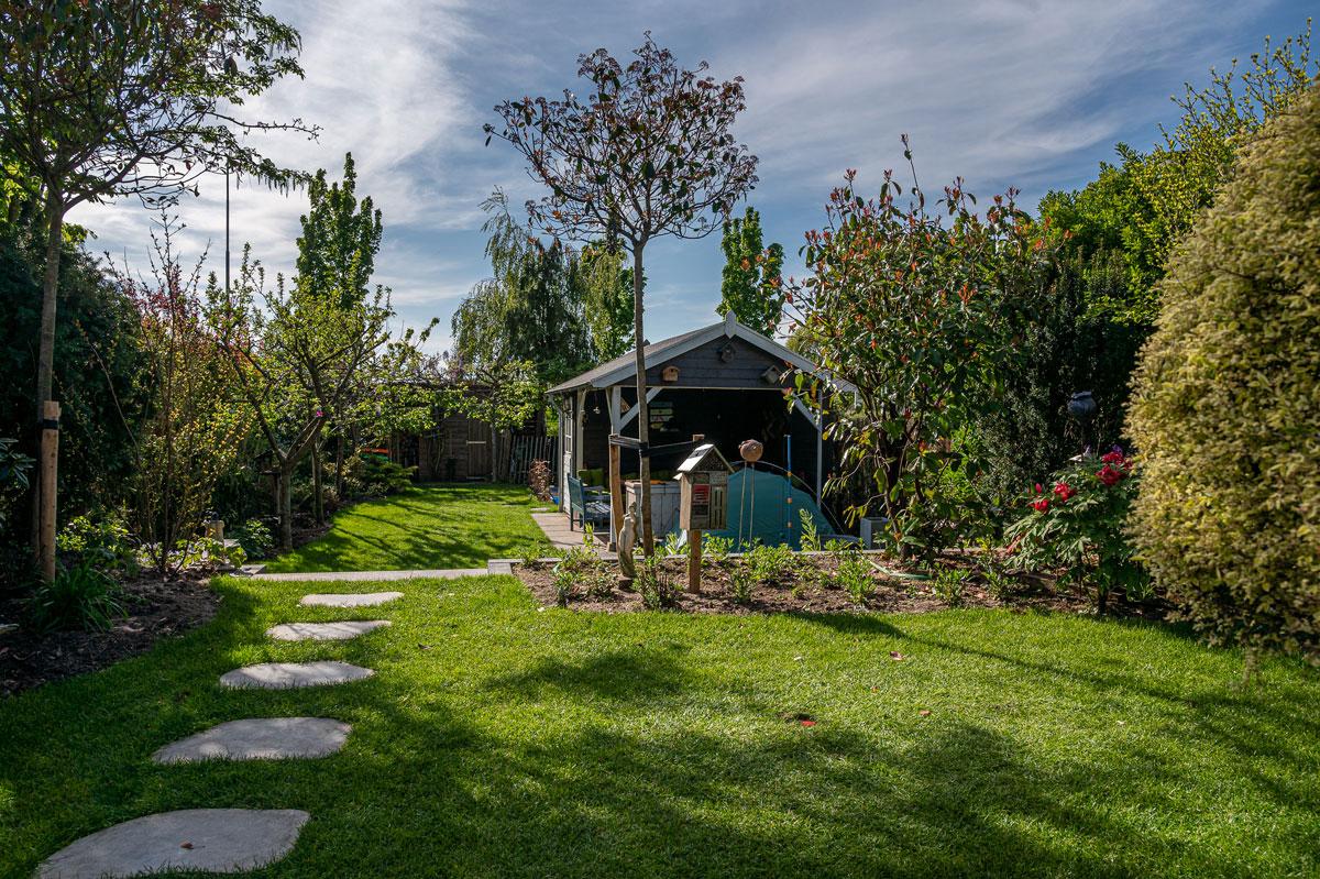 Renovatie achtertuin met hoogte verschil